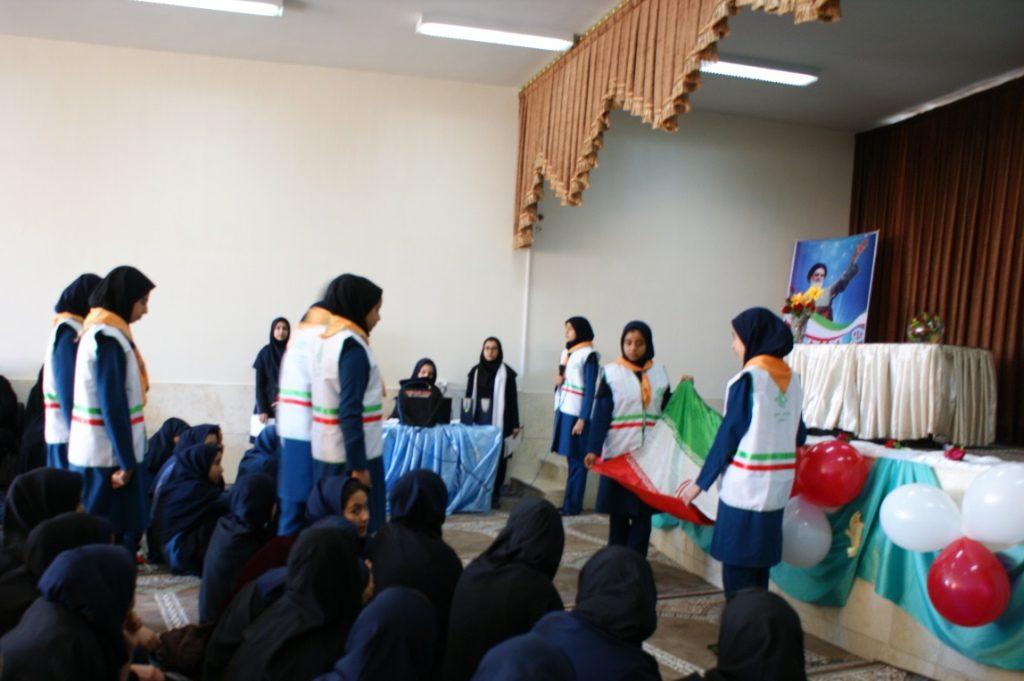 جشن چهلمین سالگردانقلاب در مدارس وزوان