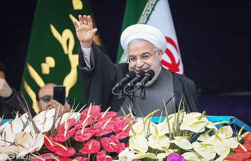 روحانی: حضور مردم در ۲۲ بهمن توطئه یک ساله دشمن را نقش بر آب کرد