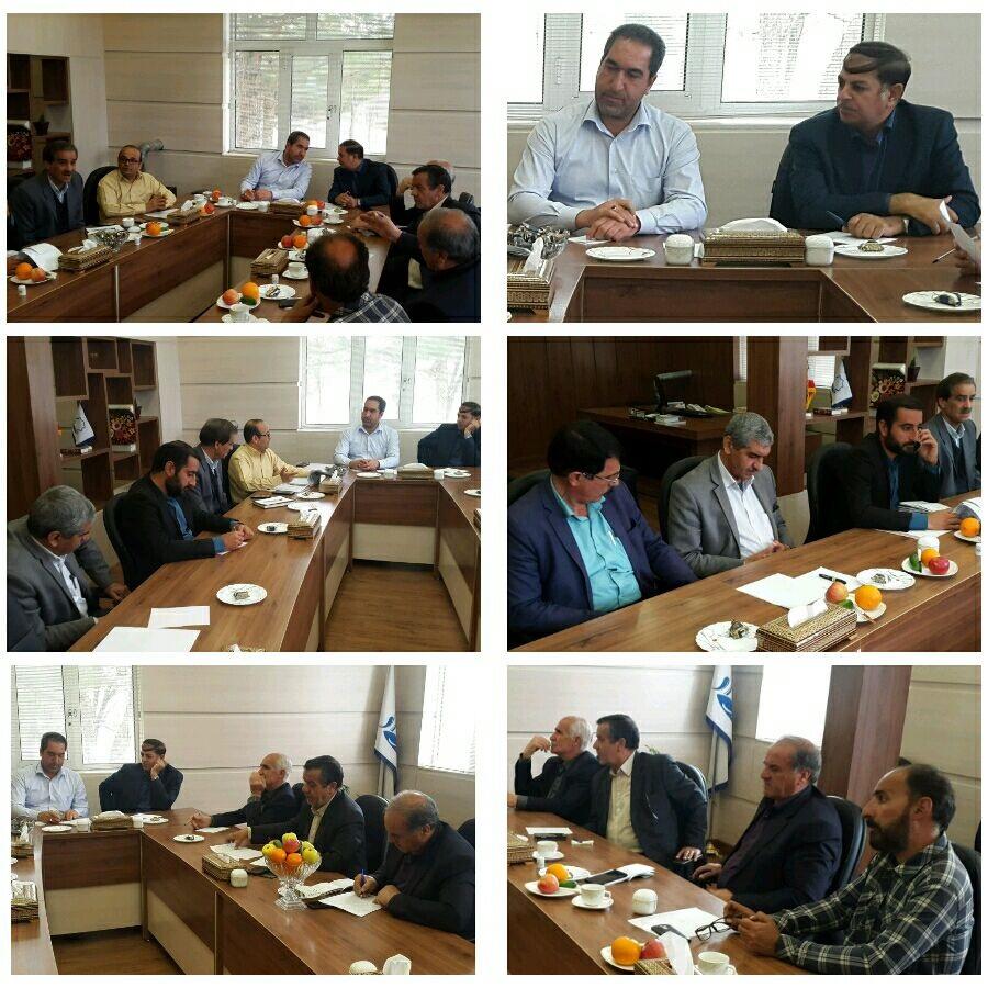 جلسه بررسی مسائل و مشکلات کشتارگاه مشترک میمه و وزوان