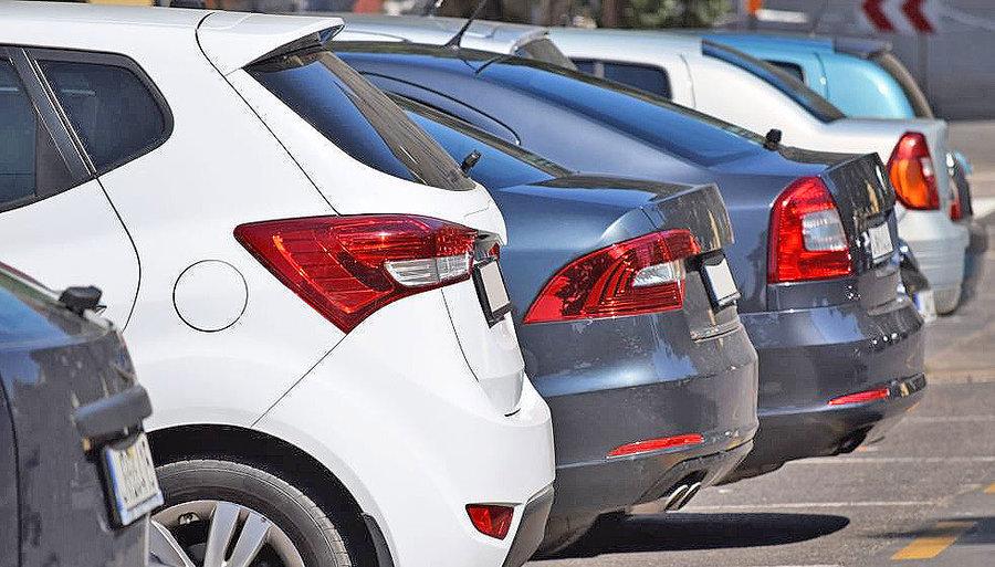 ۲ راهحل بازشدن قفل فضای بازار خودرو | اجازه کنترل بازار خودرو از دلالها و واسطهگران سلب شود