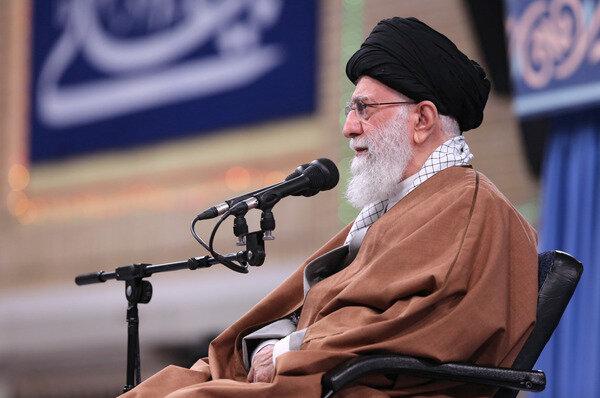 رهبر انقلاب: کشور را به سمت جنگ نمیبریم | مردم مطالباتی دارند؛ اغلب موارد هم حق با مردم است