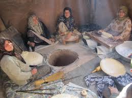 توزیع روزانه ۲ هزار قرص نان در وزوان اصفهان